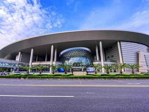 上海科技馆里乐趣多 低音号旅游