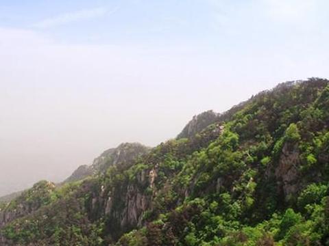 山东有一座原生态的山峰,是蒙山第二高峰,经常有登山爱好者挑战