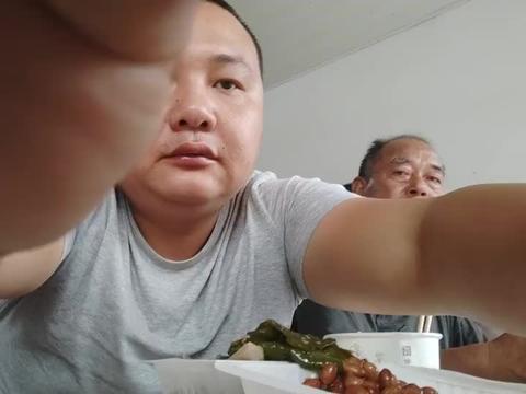 江西小炒店品测青椒炒肉的做法味道好不好吃