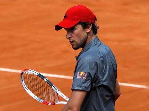 罗马网球赛冷风吹,大阪科娃小威总理等人出局,蒂姆苦战过关