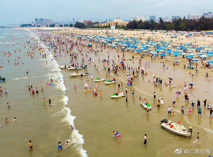 广西城镇常住人口为2717.10万人,乡村常住人口为2295.58万人
