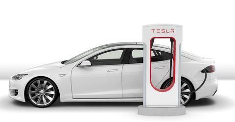 4月份新能源汽车销量同比暴涨180.3%,混动车型成为香饽饽!