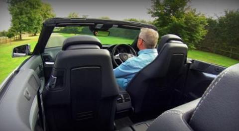 为什么有的人坐车爱晕车,开车却不晕车?