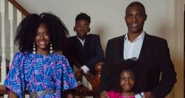 尼日利亚名模让7岁女儿当职业模特,规定她每天工作不超8小时