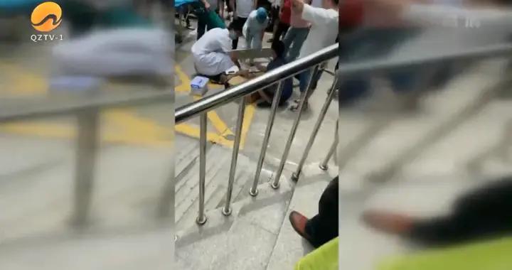 一男子从5楼坠下