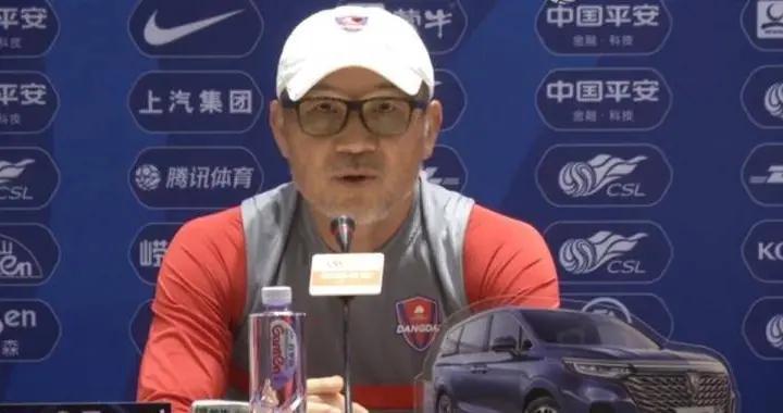 面对解散传言,重庆主帅张外龙:球员们在困难面前做出了努力