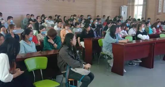 家庭教育很重要!固城中心小学举办家庭教育讲座