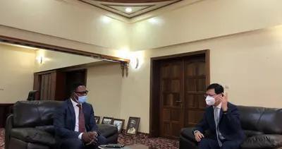 中国驻刚果(金)大使朱京会见刚数字化部长