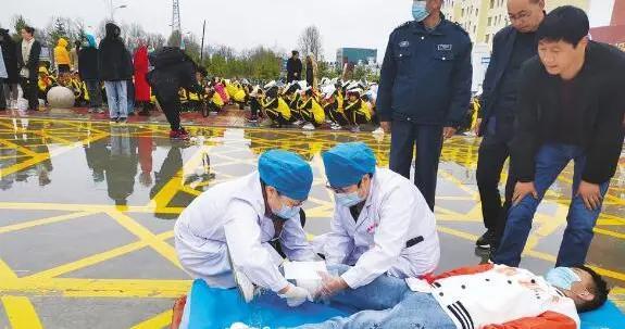 门源:地震应急响应救援综合性实战拉动演练举行