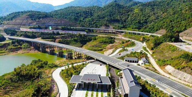 最美连接线——厦蓉高速公路小池互通线提升改造项目沿线美如画!
