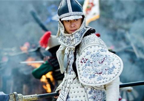 顺治将多尔衮治罪,康熙雍正都不敢说,为何乾隆却亲自为他翻案?
