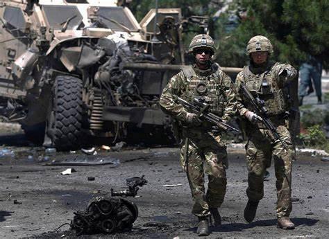 美军连夜悄悄从基地撤走,阿富汗军队也不告诉,塔利班乘胜追击