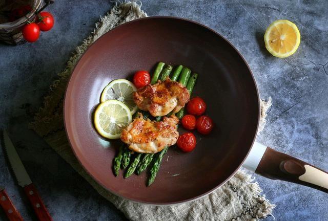 鸡排去腥用它,比料酒味道好,清新芬芳微酸开胃,现在就流行它