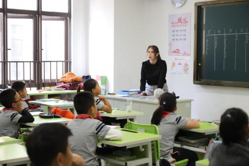 深圳市弘金地(国际)学校给出了答案