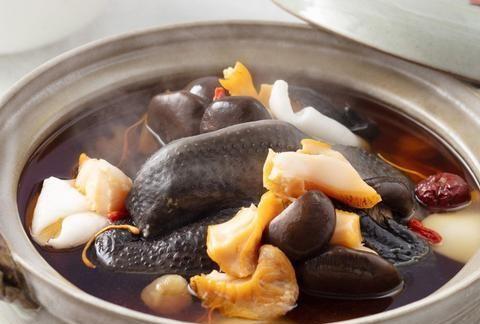 大厨椰子鸡汤食谱,挑选椰子、红枣去核、乌鸡氽水7个窍门
