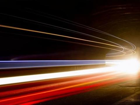 光速在宇宙中快吗?其实它慢如龟速,有三个速度远超光速