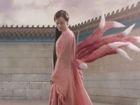 尴尬穿帮镜头,王丽坤:我拍古装戏那么辛苦,用一次性筷子怎么了