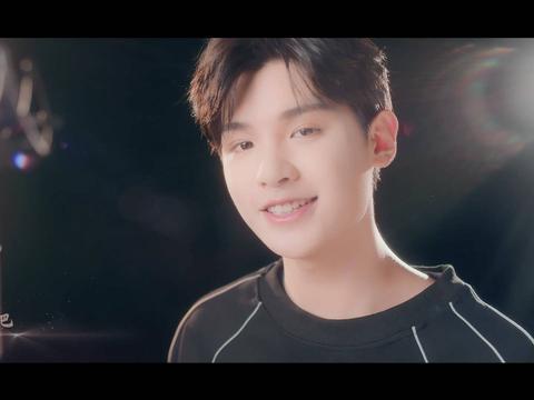黄明昊梦幻新诛仙手游重逢主题曲上线,MV尽显少年英气