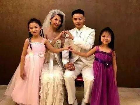 蔡少芬为小儿子庆生,五口之家合晒全家福,网友:又相信爱情了