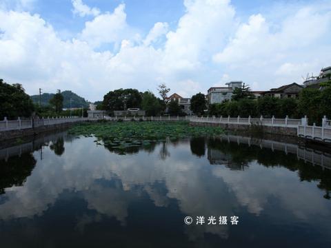 广州周边的水乡古镇里,最早的历史文化古村,静静地遗世而独立