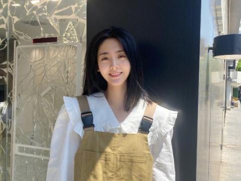 继邢菲赵露思后,又一网剧女主走红,被称娱乐圈第一甜妹!