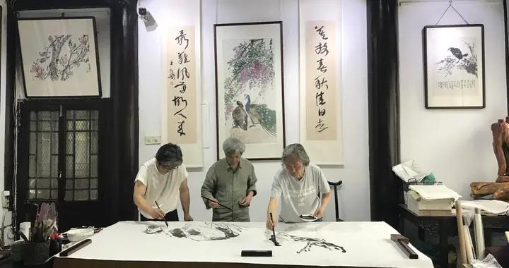 拱墅区退休文艺工作者绘制巨幅画作 献礼建党百年
