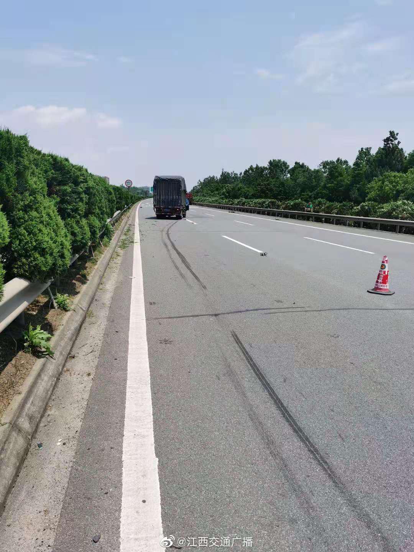 南昌绕城高速31公桩高新区境内,抚州往南昌方向……