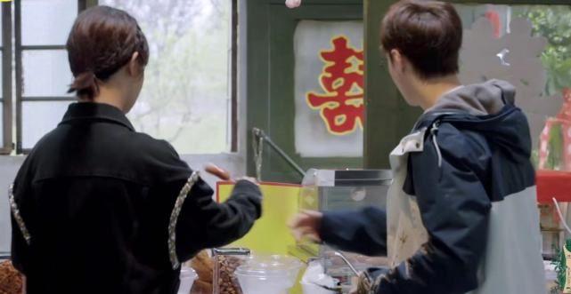 张艺兴杨紫面对恋情传闻公开表态,长辈跟着吃瓜