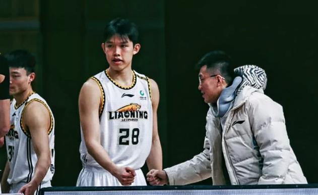 辽宁男篮离队第一人出炉,广东小将被迫离开沈阳,2年无球可打