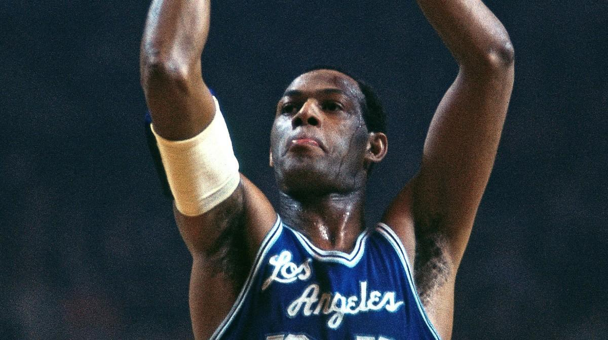 NBA场均出场时间最多的十大球星:艾弗森高居第三