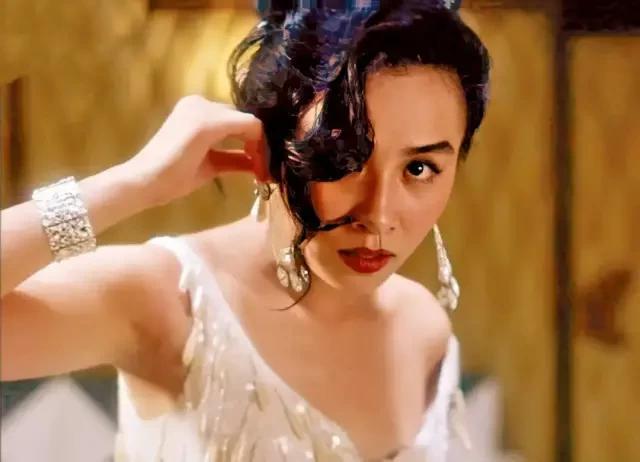 香港电影黄金时代十大女神,李嘉欣仅排第5,第一实至名归