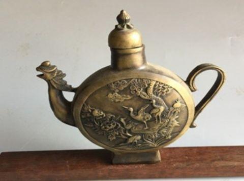 男子花200元买回个神秘酒壶,鉴定结果却令人不敢想象!