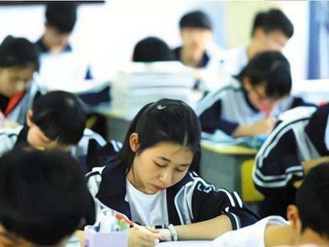 """中考失利不准考生""""复读""""?官方回应来了,考高中还是有难度的"""
