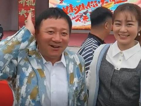 """谢广坤变年轻了,头顶长满了头发,不料却被""""儿媳""""王小蒙揪头发"""