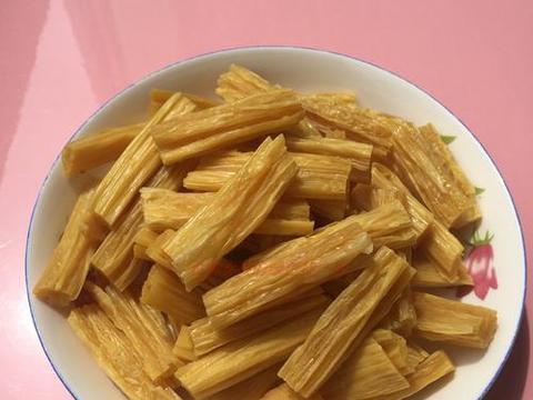 原来胡萝卜炒腐竹这样做更好吃,营养美味超下饭,一大盘都不够吃