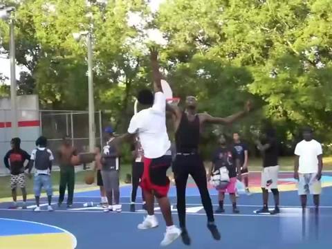 这是黑人的主场!国外篮球公园,黑人选手一言不合就开始暴扣!