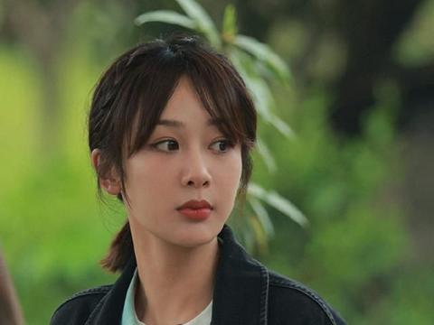 《向往5》杨紫张艺兴回应恋情传闻,大方穿同款睡衣,称呼成亮点