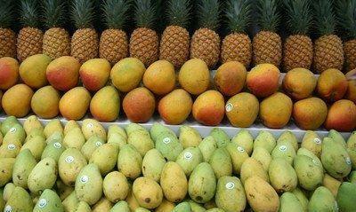 海口有个水果批发市场,意外吸引游客光顾,热带水果物美价廉!