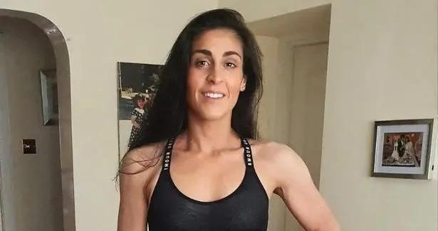 女子偶然减肥而去健身,却因坚持自律体重爆减,现辞职转行做教练