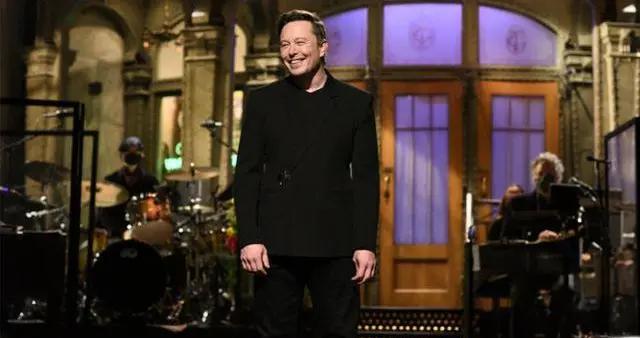 马斯克上了个电视节目,一周内财富缩水200亿美元
