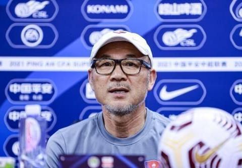 中超积分榜:重庆0-1遭绝杀排名差!谁注意张外龙发言?球迷不满