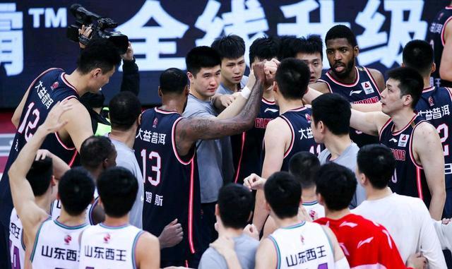 广东队新消息 朱芳雨送走双将支援新军 26+队宠离队 杜锋了却心愿