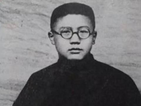 这位数学家只有初中学历,却成为清华大学讲师!