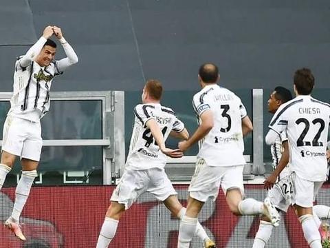 3-2裁判抢戏尤文续命成功,3点球+2红牌+1乌龙,最搞笑的国家德比
