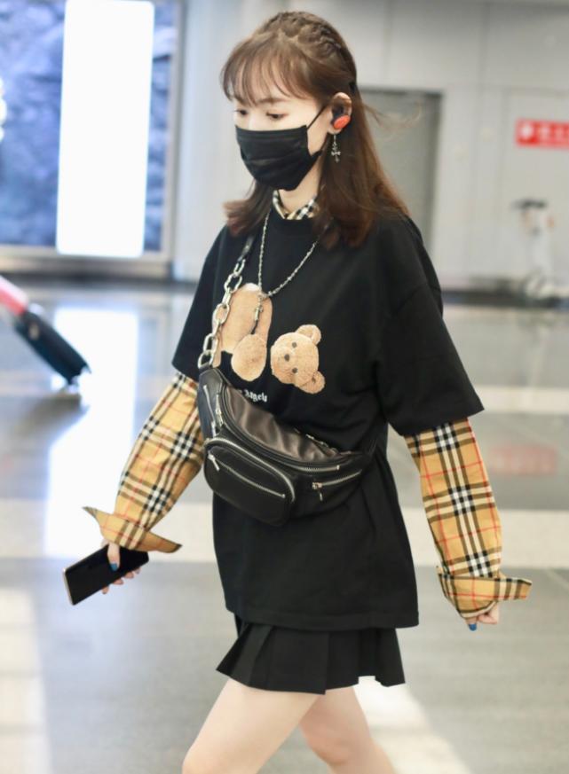 """马蓉真不把自己当阿姨,穿短裙却秀出""""豆腐腿"""",真不像34岁"""