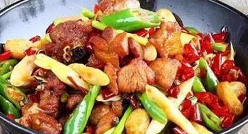 美食推荐:干锅鸡,黄焖鸡,酸菜肉丝,萝卜泡菜的做法