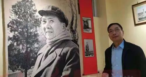 """襄城:""""烟叶王国""""有家毛泽东绣像博物馆"""