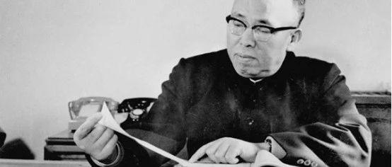 """毛主席赋诗赞为""""大鸟""""、""""疯子团长""""也害怕的罗政委,是个什么人物?"""