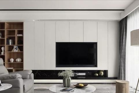 设计师打破常规,客厅不放电视,换这几种方式后更实用简洁!