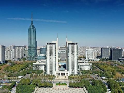 东亚高端装备和新能源产业合作对接交流会举行
